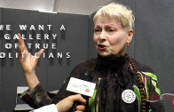 VIVIENNE WESTWOOD EXCLUSIVE INTERVIEW : POLITICIANS R CRIMINALS