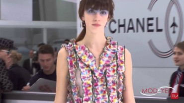 CHANEL PARIS SPRING SUMMER 2016 FASHION SHOW Exclusive Backstage+Interview+Runway