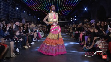 MANISH ARORA WOMAN SPRING SUMMER 2016 FASHION SHOW