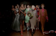 VIVIENNE WESTWOOD | WOMAN FASHION SHOW F/W 2016-17 | EXCLUSIVE